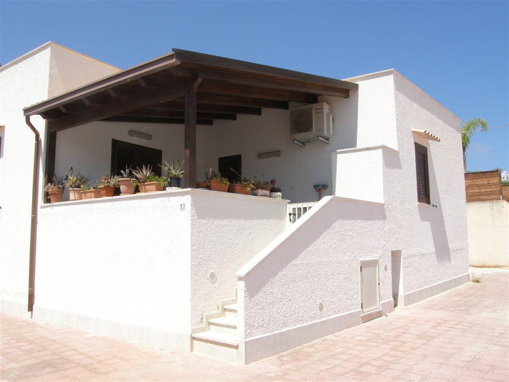 Villa Faro a San Vito Lo Capo > Via Fiorio D'ischia 17 San Vito Lo Capo - TP